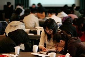 由中華基督教文字協會主辦的基督教圖書聯展結合十三家出版社,主辦單位希望能夠推動文字的工作,同時藉此機會向廣大民眾傳播福音的訊息。(圖:臺灣基督新報) <br/>