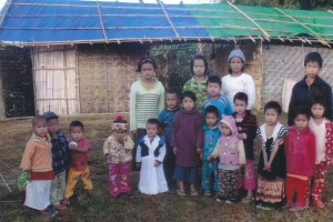 施達夥伴向緬甸克欽邦流離失所的兒童提供緊急援助。(圖:施達基金會) <br/>