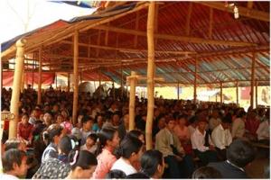 至少5萬名緬甸克欽族的難民被迫逃往中緬邊境地區,形成了40多個難民營。(圖:對華援助協會) <br/>