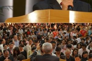 從上至下:遠牧師分享信息及呼召。(圖:遠牧師博客) <br/>