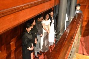 大陸家庭教會領袖小敏與鄧萃雯、黃綺珊等港陸藝人一起為大會禱告,書寫美好的見證。(圖:遠志明牧師臉書) <br/>