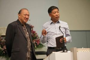 至左:唐崇榮牧師與張伯笠牧師。(圖:唐崇榮國際佈道團台灣辦事處臉書) <br/>
