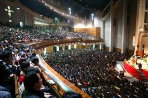 中國最具規模的三自教會浙江杭州崇一堂聚會場面。(圖:網絡截屏) <br/>