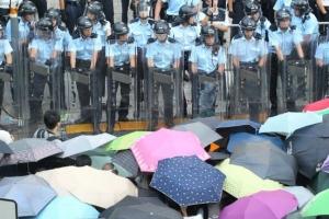 基督教教會、神學院及多個團體發起罷課及聲明行動,譴責當局運用過份武力對付示威者。(圖:Benson Tsang) <br/>