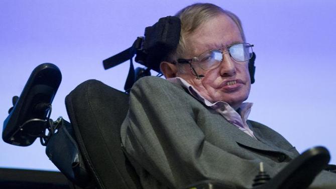 無神論的著名物理學家霍金(Stephen Hawking)近日警告,人工智能的迅速發展或會帶來人類的毀滅。(圖:美聯社)
