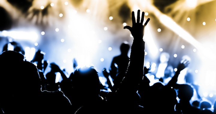稍一不慎,崇拜隨時變成「個人崇拜演唱會」。
