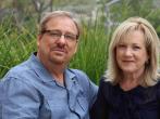 著名福音派牧師華理克和妻子華凱怡 (圖:來自網絡)