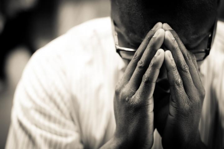 比起祈求什麼,禱告更重要的是親近上帝。(圖:網絡)