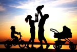 happy-family-silhouette-.jpg