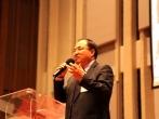 劉彤牧師鼓勵基督徒要在帶著信心仰望神,重新得力。 (圖:來自網絡)