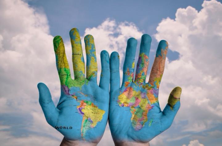 滕張佳音博士表示跨文化宣教可以從本地、短期開展,鼓勵信徒胸懷普世,承擔大使命。 (圖:來自網絡)