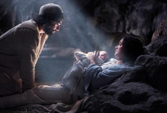 《聖經》記載馬利亞因聖靈感孕生下耶穌,唐崇榮牧師指出這是神蹟不是神話。(圖:來自《上帝之子》劇照