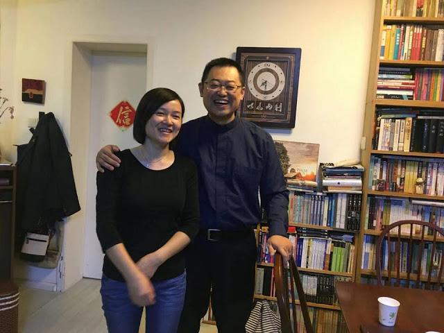 王怡夫婦(圖:對華援助新聞網)