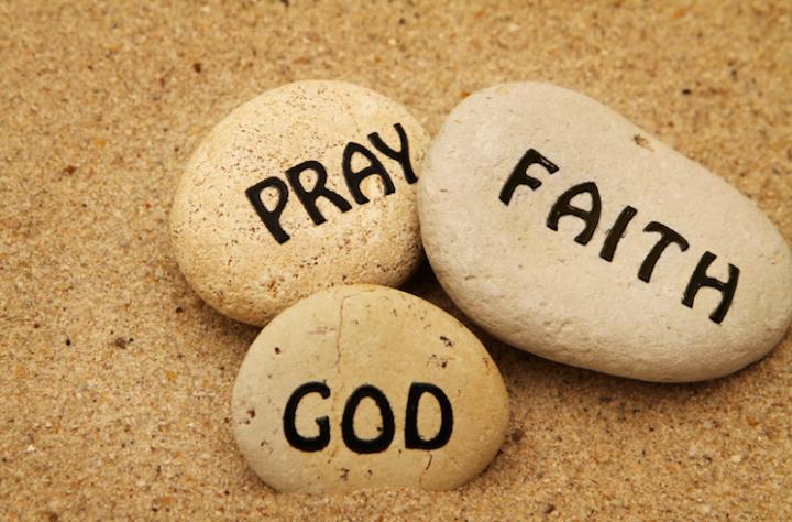 劉彤牧師表示,有信心才能經歷神蹟。(圖:來自網絡)