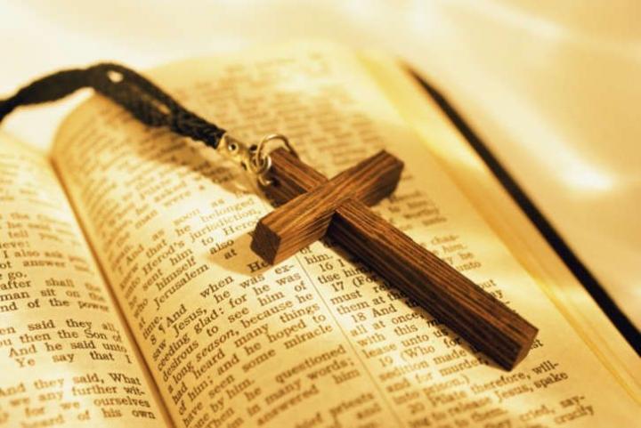 唐崇榮牧師提出七原則教導信徒分辨教派與異端。 (圖:來自網絡)