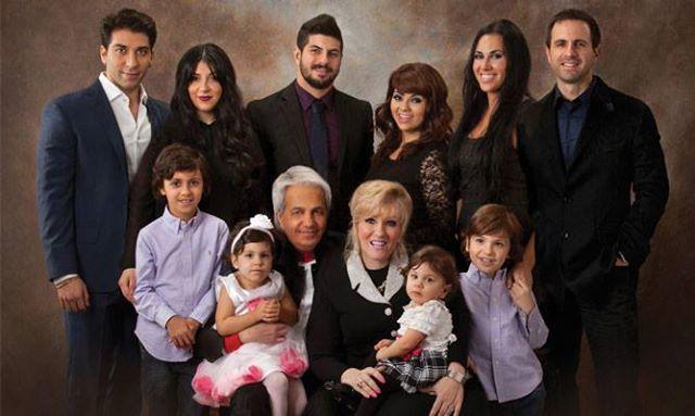 成功神學牧師辛班尼一家。