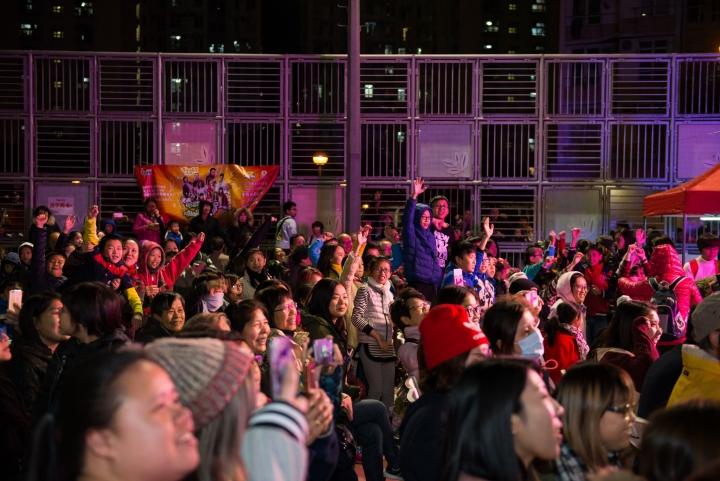 除了唱歌表演外,還有話劇遊戲,觀衆反應非常熱烈 (圖:影音視團)