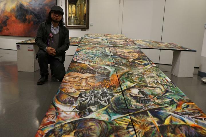 陳國棟的「亞洲十架」採用立體主義手法作畫。(圖:基督日報)