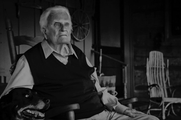 葛培理牧師攝於去年99歲壽辰。(網絡圖片)