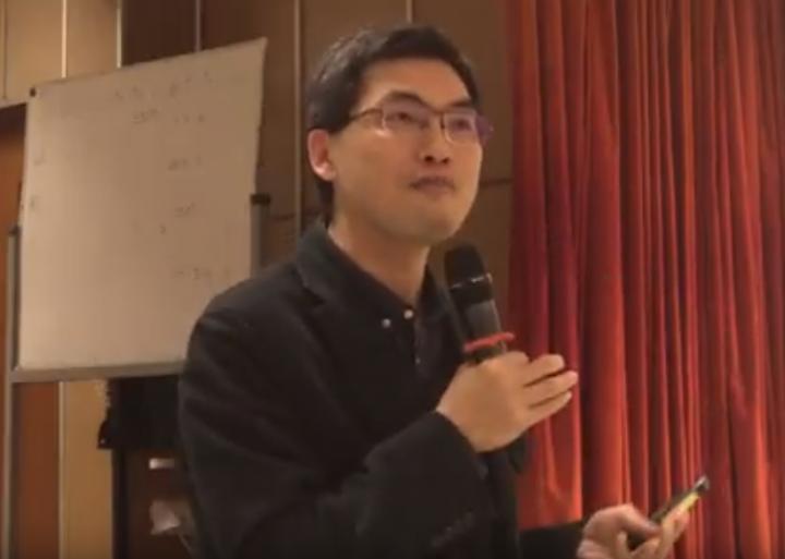邢福增教授分析基督教與天主教發展現況。(圖:youtube 擷圖)