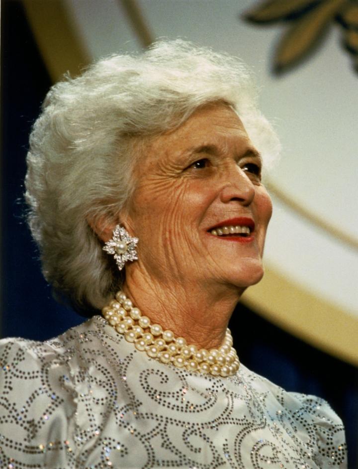 美國第41任總統夫人芭芭拉.布什(Barbara Bush),攝於1989年1月。(David Valdez, White House Photo Office)