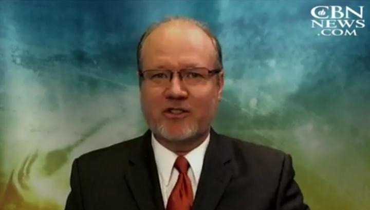 維護家庭組織SaveCalifornia.com主席托馬斯森(Randy Thomasson)4月20日接受基督徒廣播網 (CBN) 新聞訪問視頻截圖。(CBN.COM)