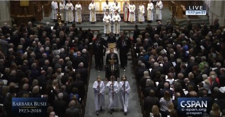 美國第41任總統夫人芭芭拉.布什(Barbara Bush)的葬禮於美國時間4月21日(週六)在休斯敦的聖馬丁聖公會教堂隆重舉行。(C-SPAN有線衛星公共事務網絡 視頻截圖)