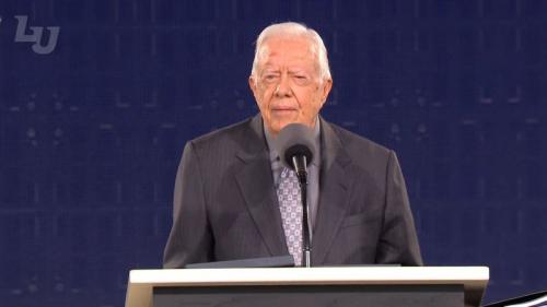 吉米.卡特(Jimmy Carter)是美國第39屆總統,同時也是一位福音派基督徒。近日他出席弗吉尼亞州自由大學(Liberty University)畢業典禮。(視頻截圖)