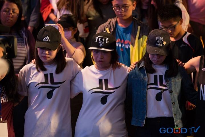 林書豪這次為期一周的台灣行,為鼓勵花蓮災民走出震災陰霾,分享會現場也特別設有青少年及災民保留席。(Facebook/Good TV 好消息電視台)