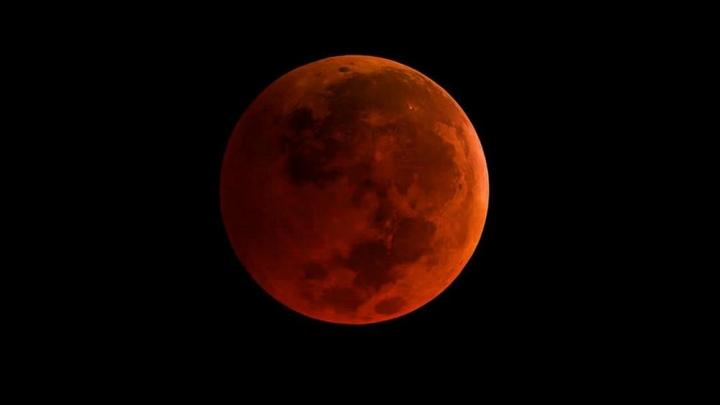血月 (圖:來自網絡)