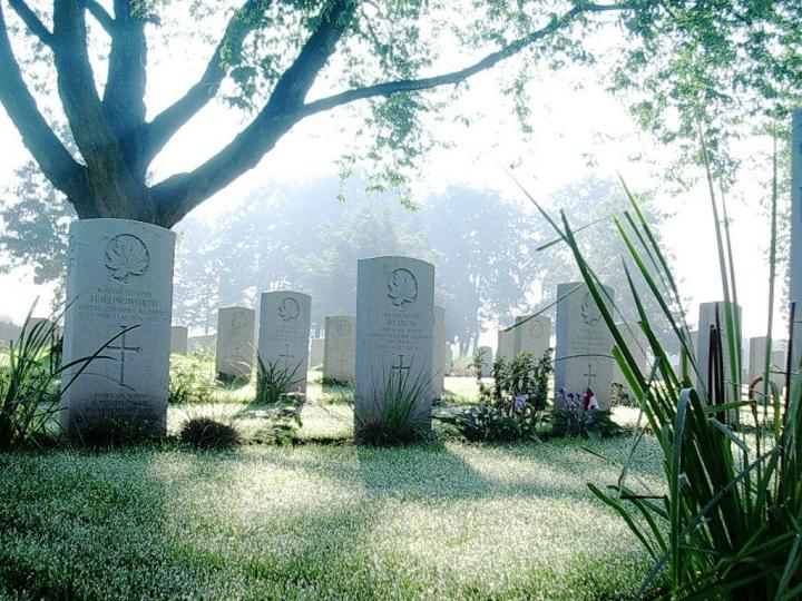 逝去者的親人接受輔導助治癒哀傷。(圖:FreeImage)