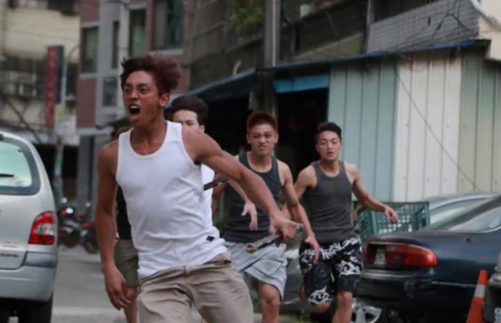 大改樂團BIG CHANGE《微光中的盼望 Hope In The Light》MV。(圖:大改樂團網站)