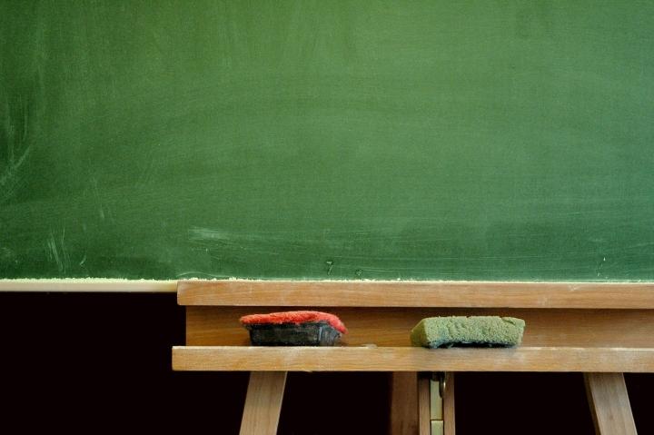 開學日父母子女迎新適應。(圖:FreeImage)