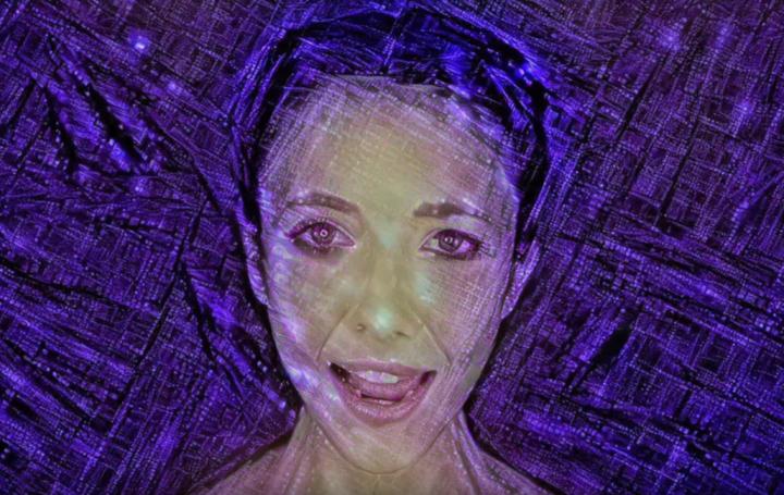 人工智能編曲的《我是人工智能》(I AM AI) 。(圖:Official Music Video視頻擷圖)