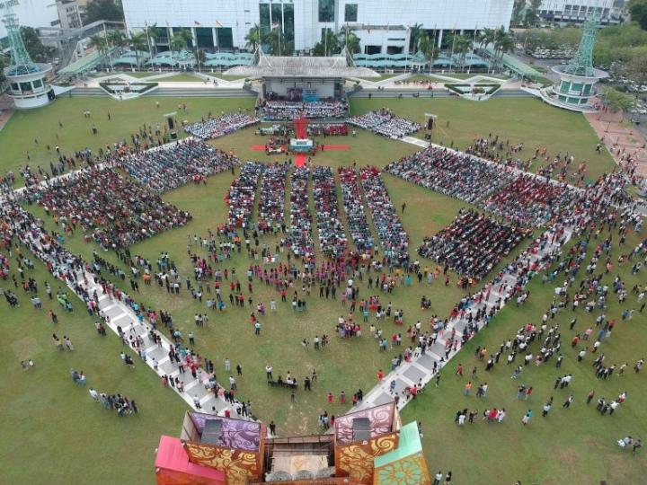 近萬人出席9月2日露天聖餐禮拜(圖:來自馬來西亞基督教衛理公會官網)