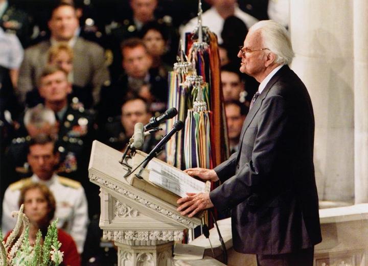 911事件發生三天後,葛培理牧師受邀向全國人民講道。 (圖:來自網絡)