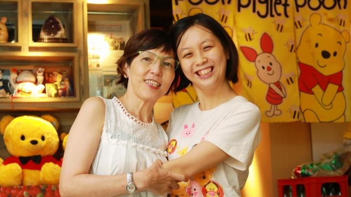 宋太與女兒Flora (圖:;來自網絡)