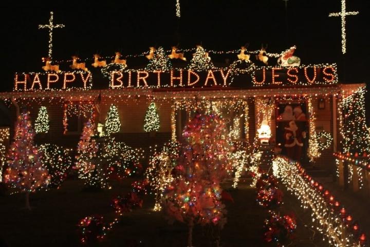 聖誕節裝飾「生日快樂耶穌」 (圖:來自網絡)