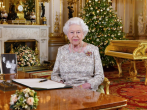 The Queen recorded her annual Christmas Day message in the White Drawing Room of Buckingham Palace 路透社.png