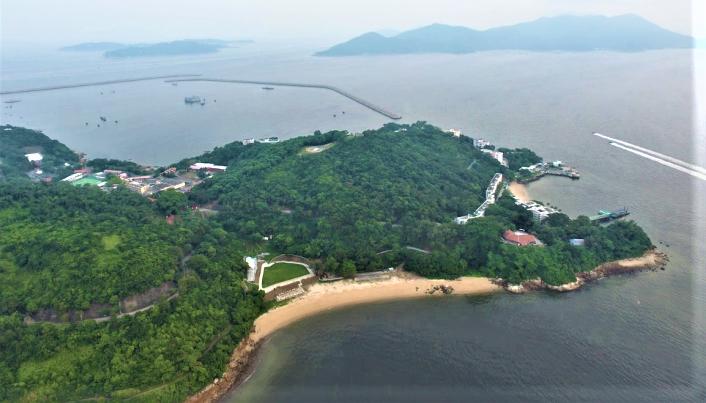 「明日大嶼」計劃於喜靈洲附近分階段填海1700公頃,基督徒聯盟憂生態破壞。(圖:google map)