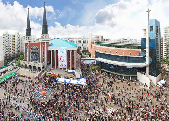 南韓首爾明聲長老教會信徒過萬,世界最大長老會堂會之一。(圖:google map)