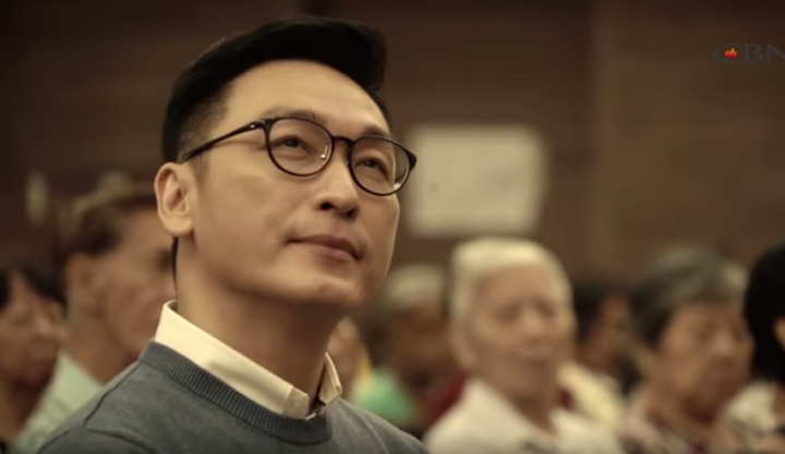 陳泰銘在教會做禮拜(圖:《星火飛騰》YouTube)