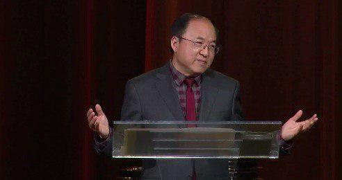 矽谷生命河靈糧堂主任牧師劉彤牧師2月3日新年禮拜講三大秘訣,幫基督徒得到真正的、豐富且不加憂慮的神的祝福。(視頻截圖)