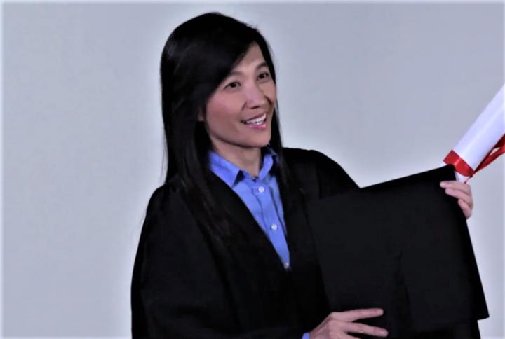 何靜瑩創社企品格教育新生代。(圖:香港電台視頻擷圖)