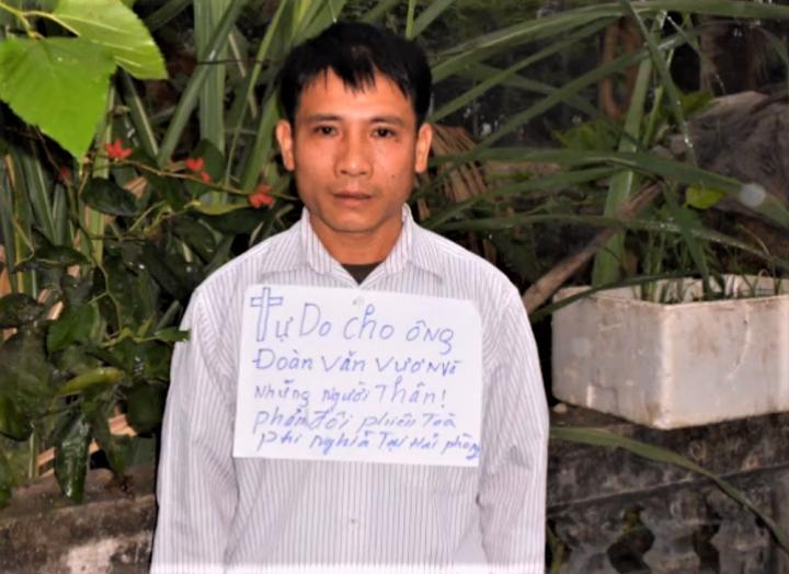 Nguyen Trung Ton牧師因捍衛人權被判監12年。(圖:youtube視頻擷圖)