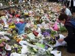 800px-Patsy_Reddy_lays_flowers_at_Hagley_Park.jpg