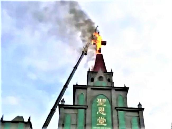 去年河南省估計有4,000間教會被強拆十字架。(圖:網絡圖片)