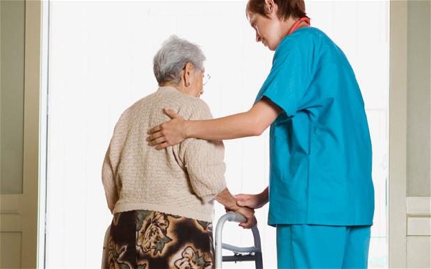 英國每年超過10萬人待接受紓緩治療。(圖:care assistance)