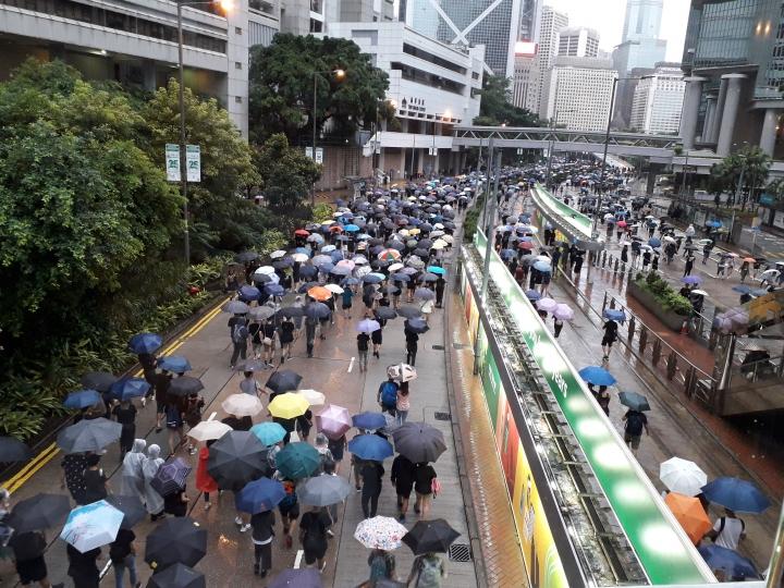 市民「和理非」遊行表達訴求。(圖:基督日報)