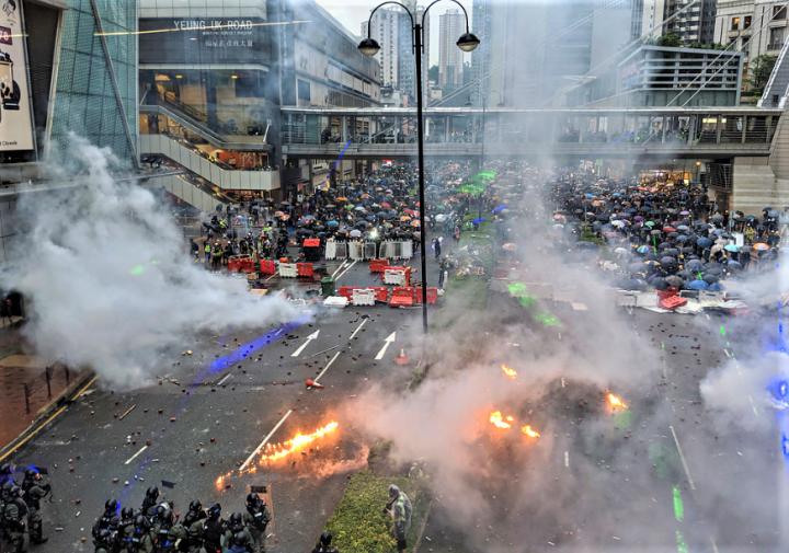 聯署者促制止警察過份武力執法示威回歸有理有節。(圖:Studio Incendo)